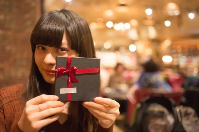 付き合う前に好きな人をクリスマスデートに誘う方法を実践した女性