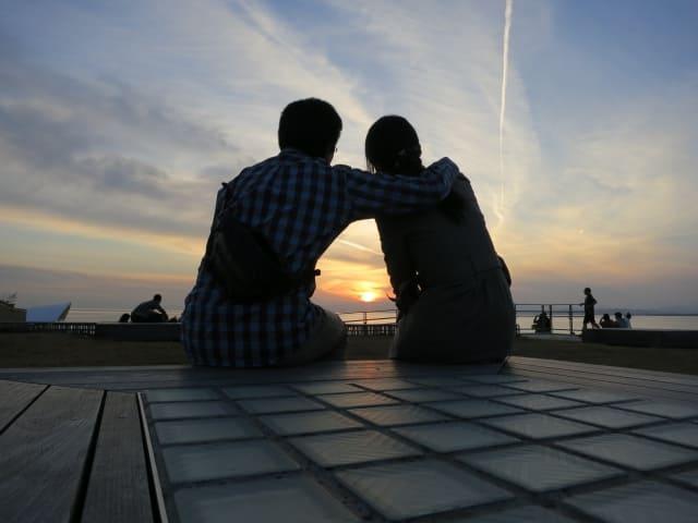 好きな人を嫉妬させる方法に成功してカップルになった二人