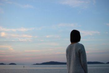 彼氏と自然消滅した女性。彼氏の心理や理由が分からないと悩んでいる。