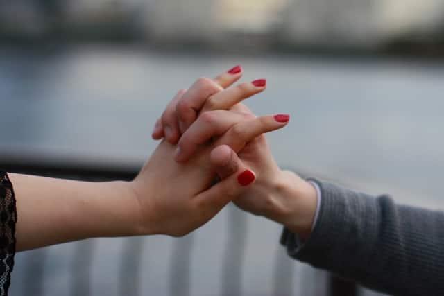 恋愛から学ぶことを活かして恋ができている女性と男性