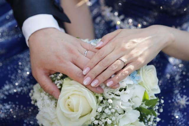 結婚願望がない彼氏とだらだら付き合う女性が夢見る「結婚式」