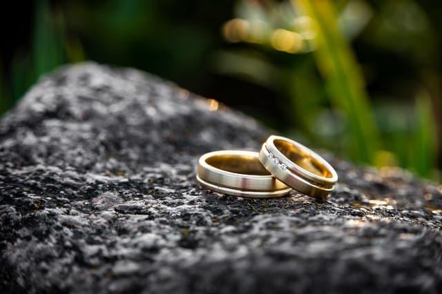 男性が結婚の話題を出すときにイメージする結婚指輪の画像