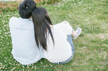 恋愛が長続きするコツを知っているカップルの画像。長続きする恋は何を大切にすれば良いか、答えを知っている。
