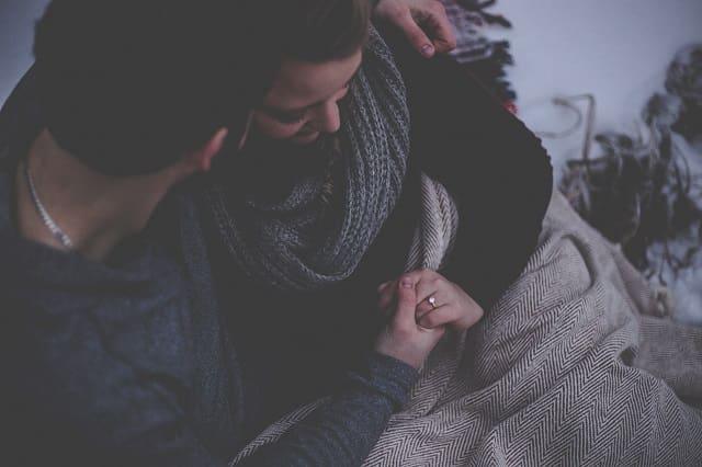 彼氏に愛情表現してもらえる愛され彼女