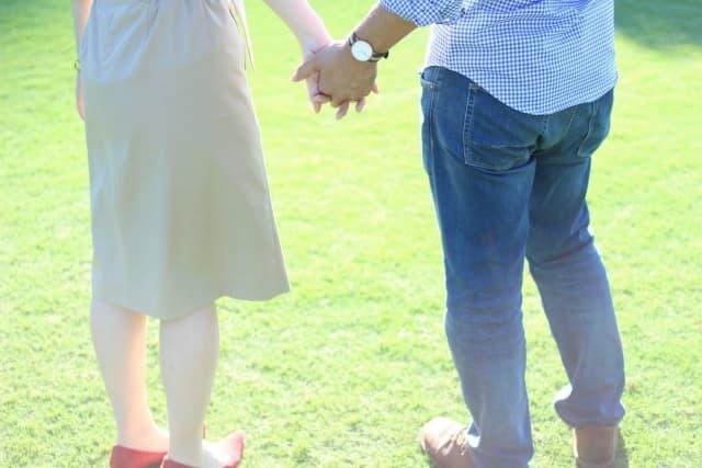 彼女に飽きた男性が対処法に成功してもう一度仲良しカップルになれたところ