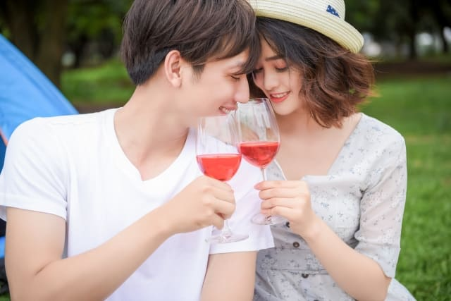 片思いから両想いになる恋愛に幸せを感じている女性
